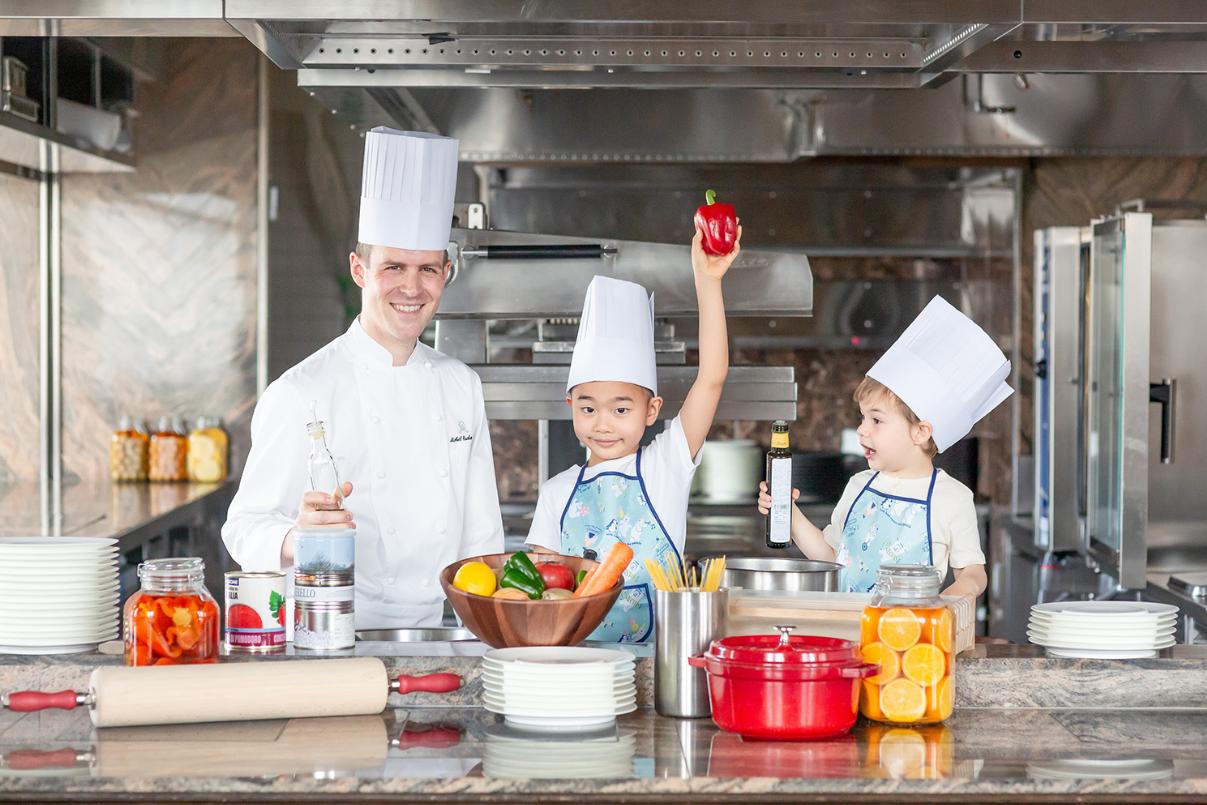セントレジスホテル大阪 『Kids Chef Cooking Class(キッズシェフ クッキングクラス)』8月8日開催
